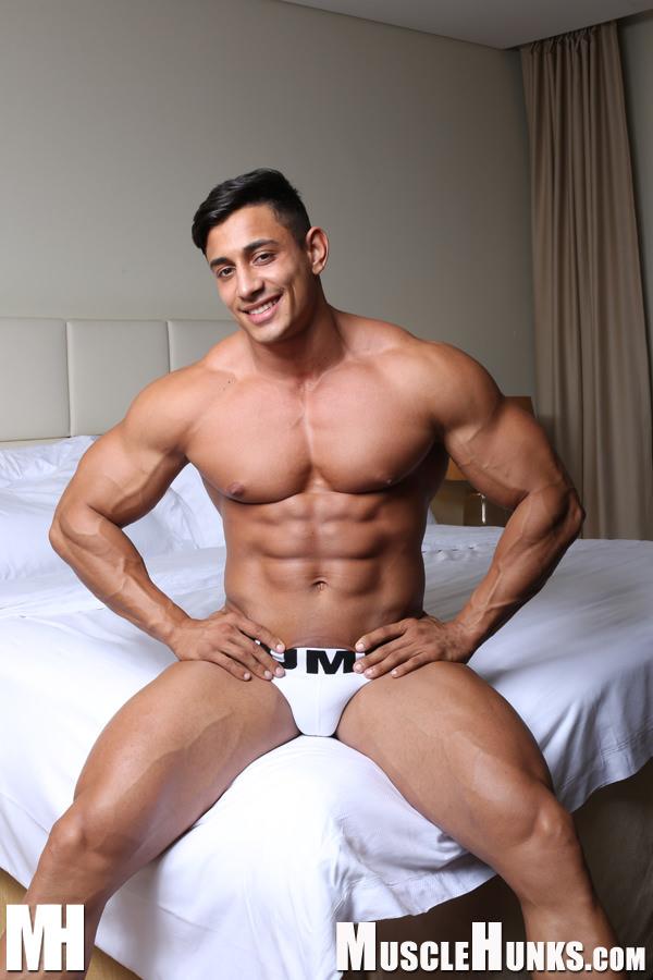 gay hunk caseiro