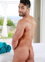 gay model Arad