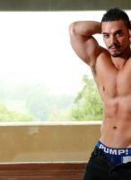 arad-winwin-nextdoor-bodybuilder-82753_005
