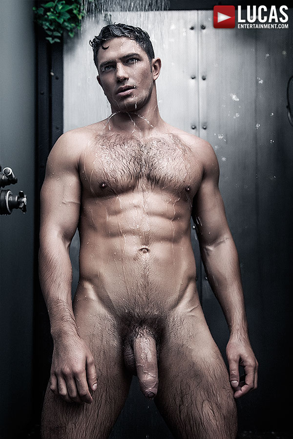 naked-male-models-in-the-shower