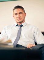 Dato-Foland-MEN-job-interview-02