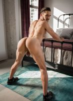 donte-thick-model-nextdoor-studios-10