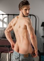 donte-thick-model-nextdoor-studios-4