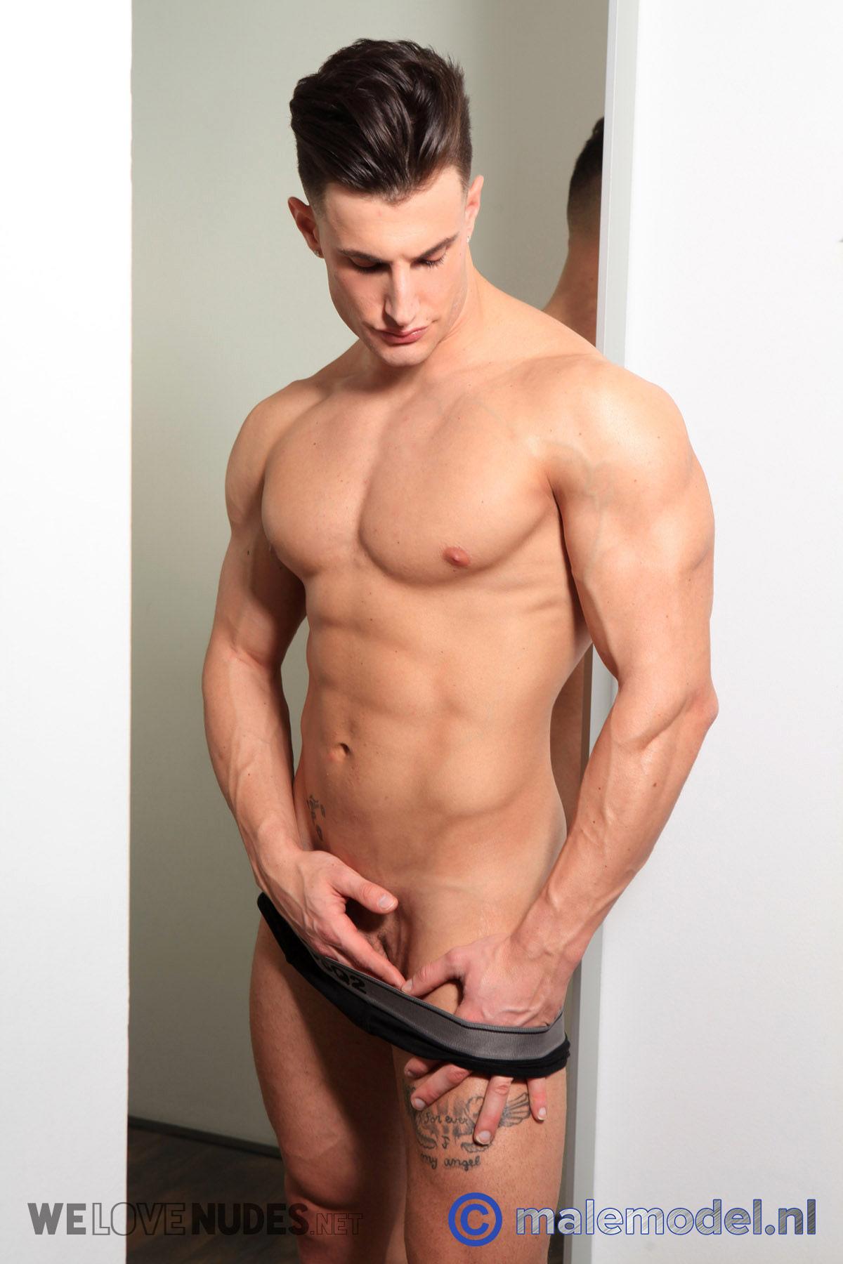 Bodybuilder Francesco della Vedova Bares All For Gert Kist