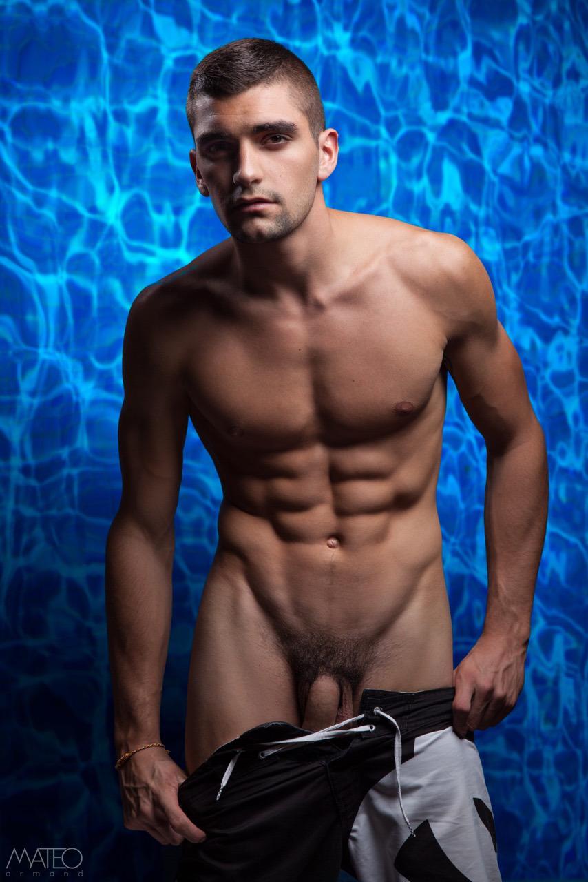 Handsome bodybuilder and hot blonde sex tape