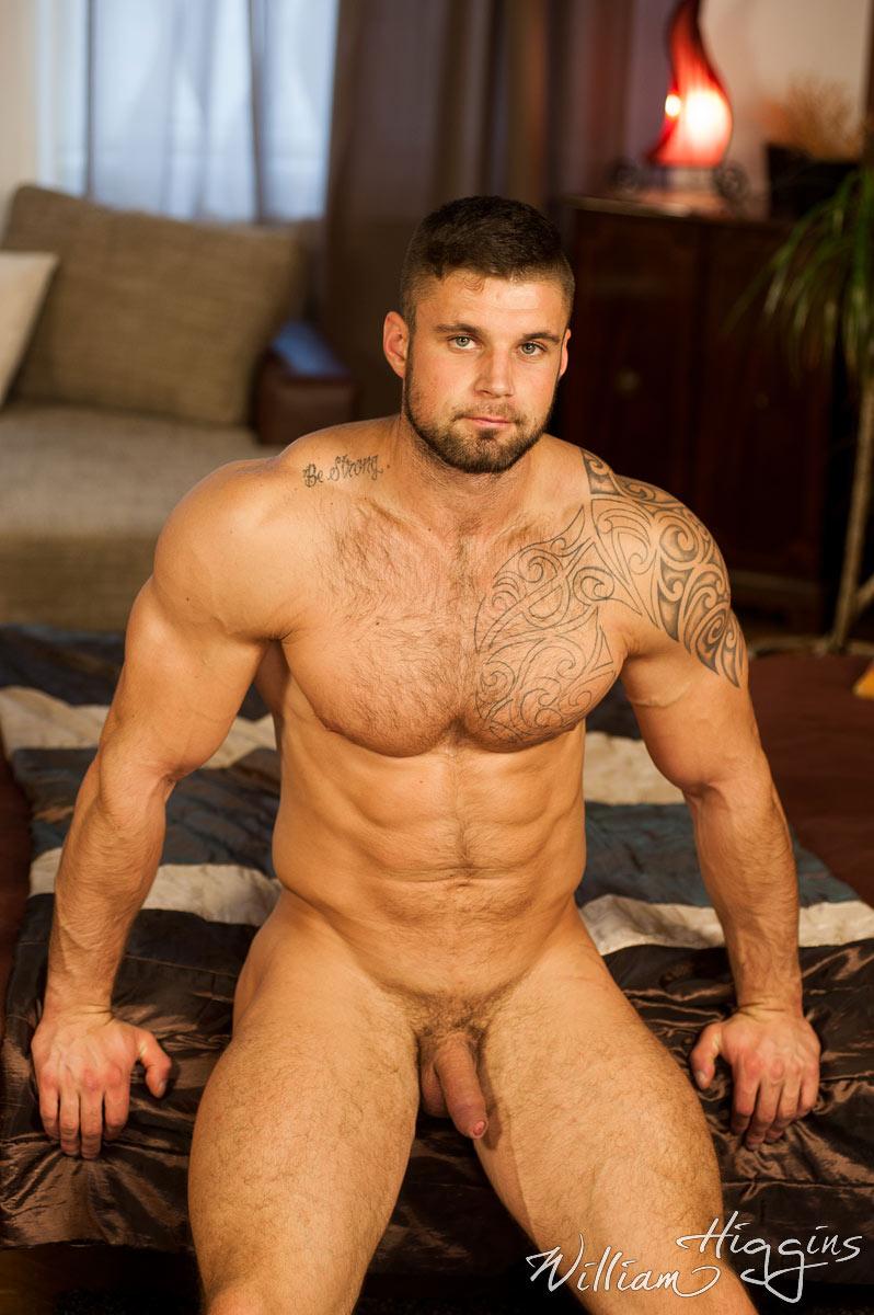 gay muscular naked men