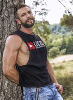 lucasentertainment-bulrog-muscle-gay-daddy-11