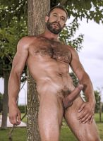 lucasentertainment-bulrog-muscle-gay-daddy-6