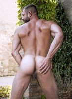 lucasentertainment-bulrog-muscle-gay-daddy-7