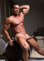 Gianluigi-Volti-muscle-hunks-08