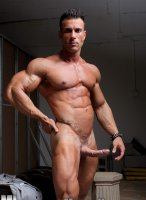 Gianluigi-Volti-muscle-hunks-09