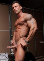 Gianluigi-Volti-muscle-hunks-16