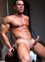 Gianluigi-Volti-muscle-hunks-17