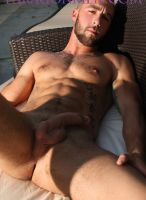 paragonmen-riley-reynolds-john-riley-outside-13
