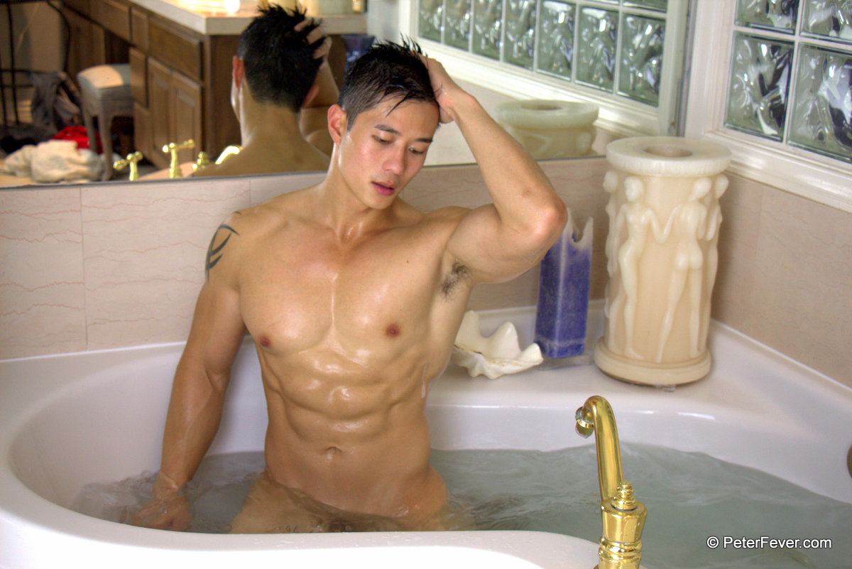 Peter_Le-PeterFever-Bubble-Bath-09
