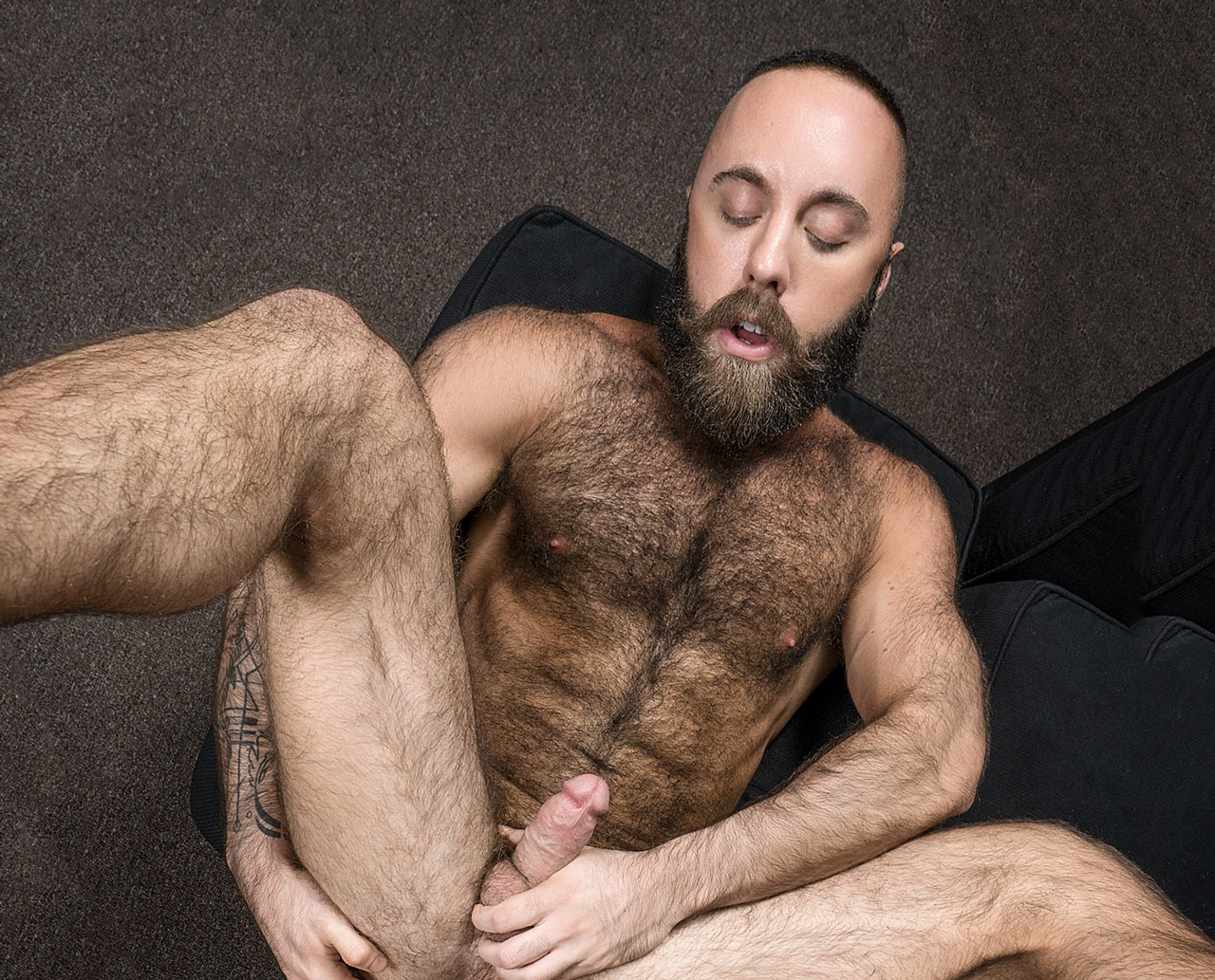Hairy muscle porn
