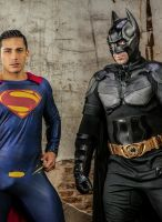 topher-dimaggio-mencom-batman-vs-superman-9