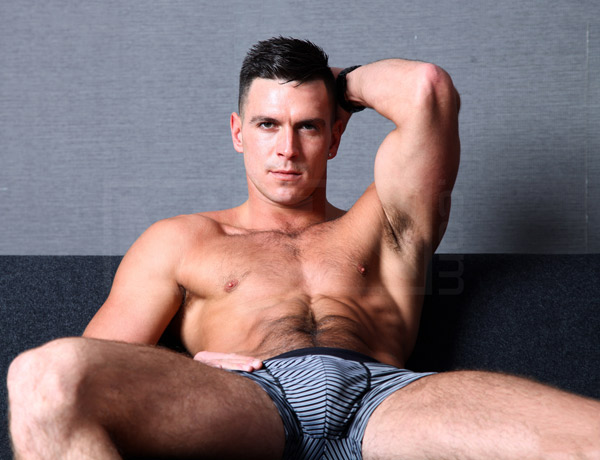 gay porn star Paddy O'Brian bottoms for Topher DiMaggio at Men.com