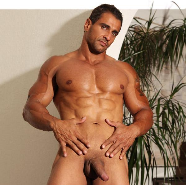 bodybuilder marcus rezende nude at paragonmen