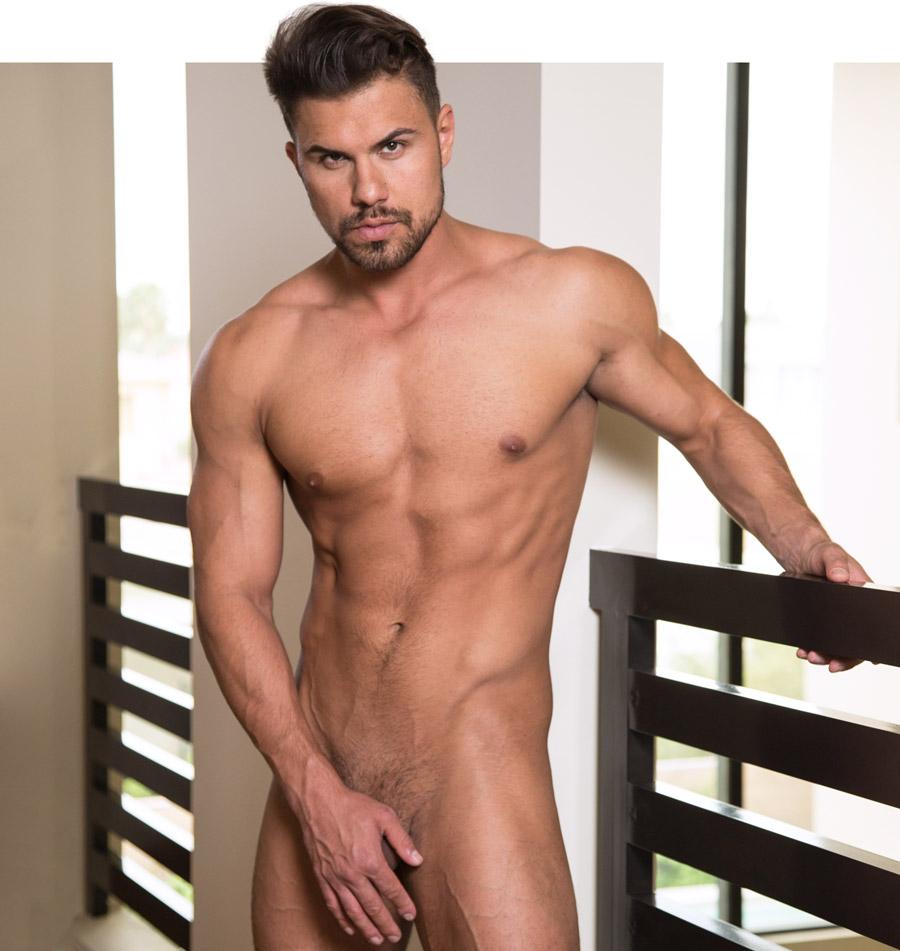 NextDoor gay muscle hunk Vincent Williams