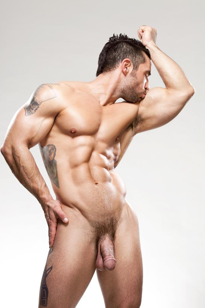 Покажите мускулистого голых мужиков