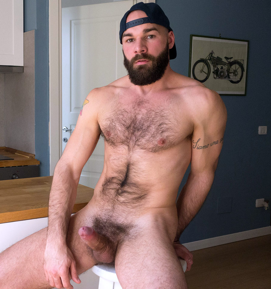 Sexy Italian Muscle Daddy Max Duro-1709